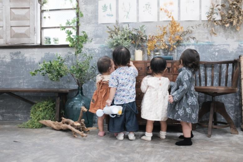 集う子供たち